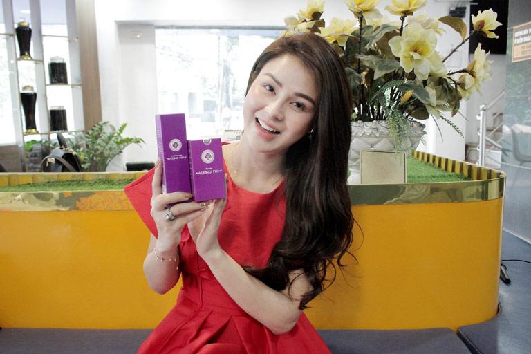 Hình ảnh Thu Trang rạng rỡ sau khi sử dụng bộ sản phẩm Nám tàn nhang Vương Phi